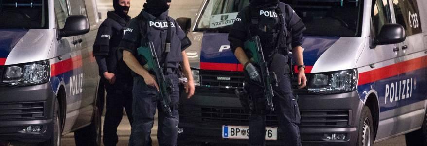 Vienna terrorist suspect wore a fake suicide vest and was Islamic State sympathiser