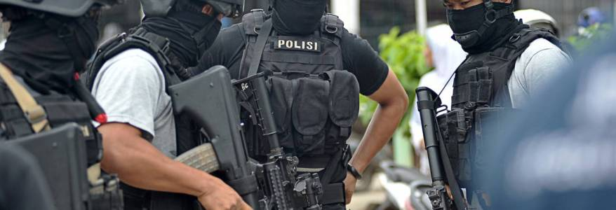 Indonesian police authorities detained new Jemaah Islamiyah terror cell was recruiting news members