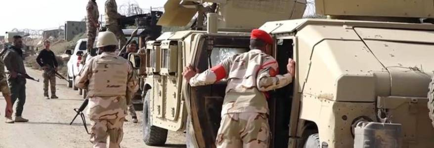 Islamic State terrorists attack a convoy of the Iraqi Army