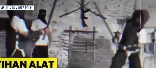GFATF - LLL - Terrorists training to kill Westerners with the same terror group responsible for the Bali Bombings