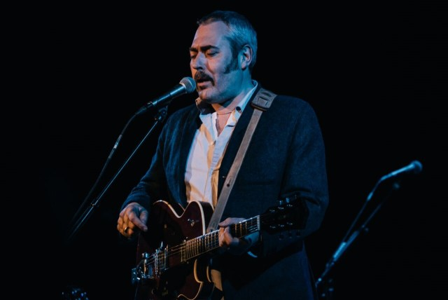 Stuart Staples i front for Tindersticks - foto: Kim S. Sternkopf/HeartMatter Artworks