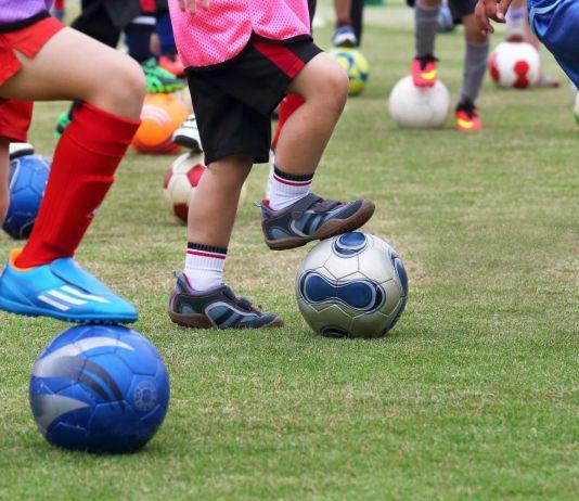 Symbolbild: Kinder beim Fußballtraining