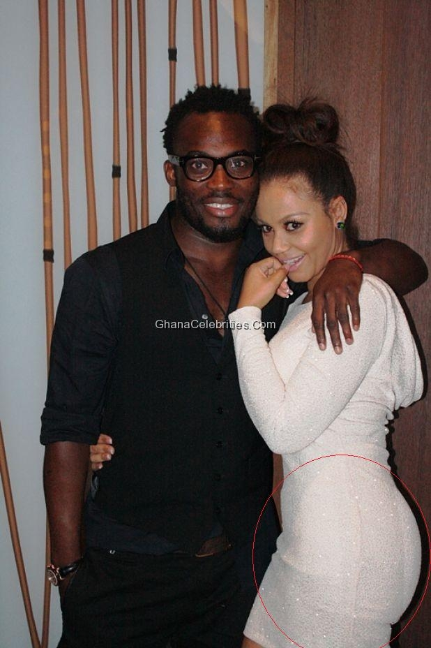 206b4168f READERS  MAIL  Why Is Nadia Buari Wearing Bum Pads