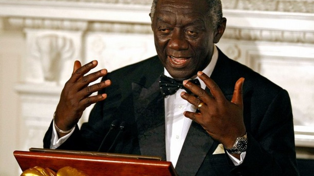 Former President Kufuor Gets A Christmas Hair Cut—See The Photo Here! - GhanaCelebrities.Com