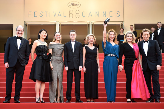 Film crew - Red carpet - La Tête Haute (Standing Tall)-AFP-Bertrand Langlois