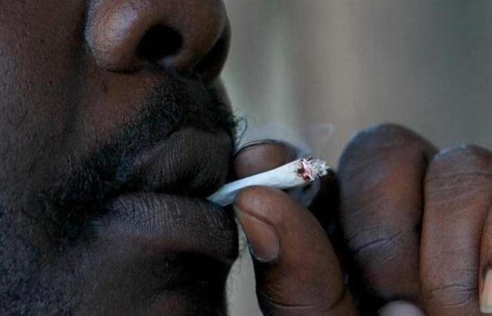 For The Men: Scientists Say Smoking Cigarettes Can Reduce The Size Of Your 'Langalanga'