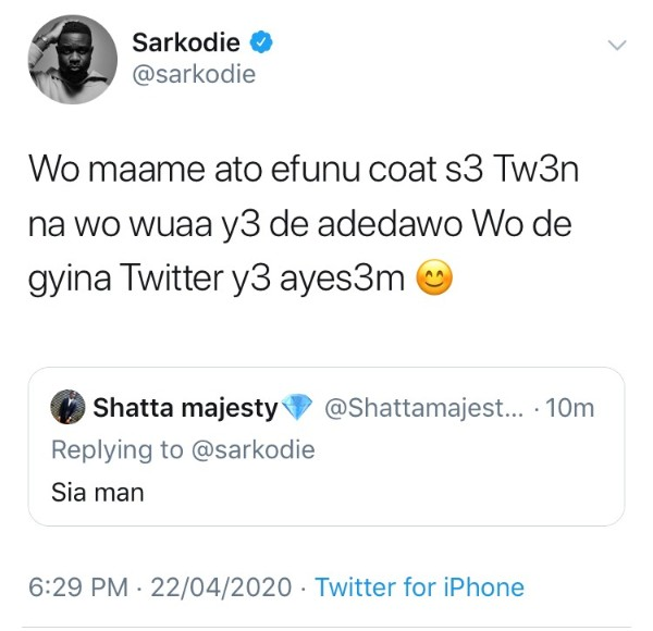Sarkodie Goes dirty on Shatta wale's fan who called him a foolish man. 2