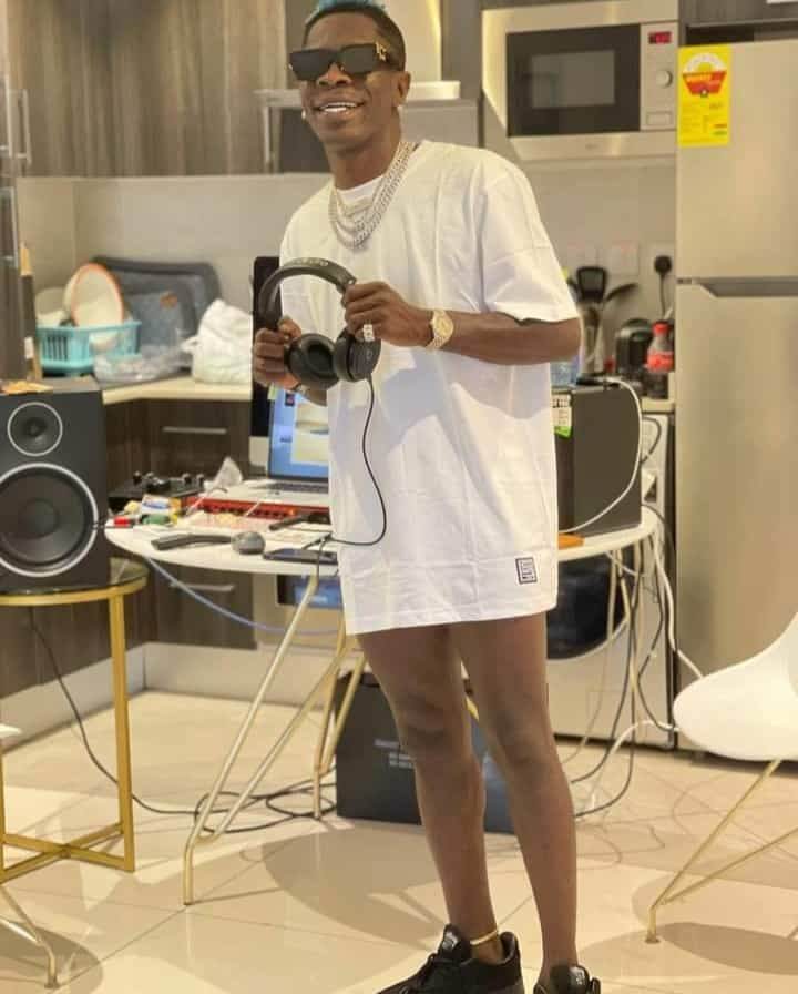 Shatta Wale Goes Pantless After Being Trolled For Wearing Fake Jeans – Photo 1