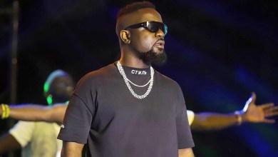 Photo of King Sarkodie Performs 'Brown Paper Bag' at Black Love Virtual Concert