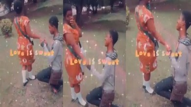 Photo of Boy Propose Love To Knust JHS girlfriend after BECE completion