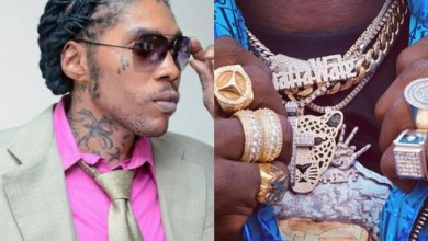 Photo of Vybz Kartel's Reply To Shatta Wale After He Flaunted His Gold And Diamond Jewelries