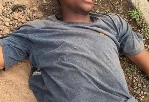 Guy Dies Mysteriously After Killing Co-Tenant N Destroying Landlady's Car In Osun