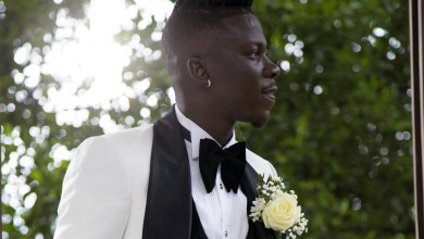 Photo of Stonebwoy looked dapper in 'tux' on wedding day
