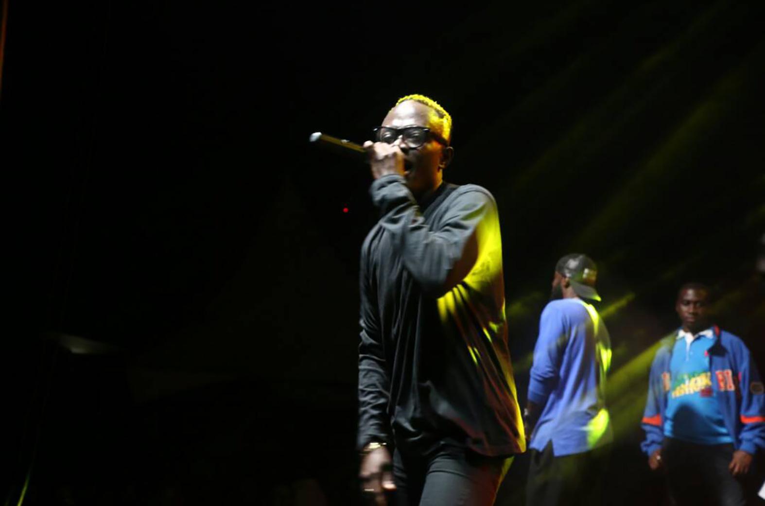 Eboo performing
