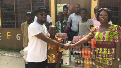 Photo of Teephlow donates to needy school, calls for more support