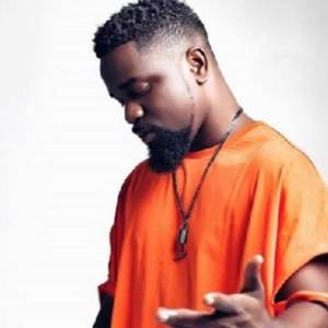 No Coiling (KMT Remix) by Sarkodie