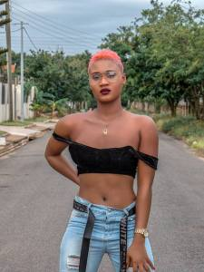 'Badder' Petrah looking all chic and sexy in new pictures