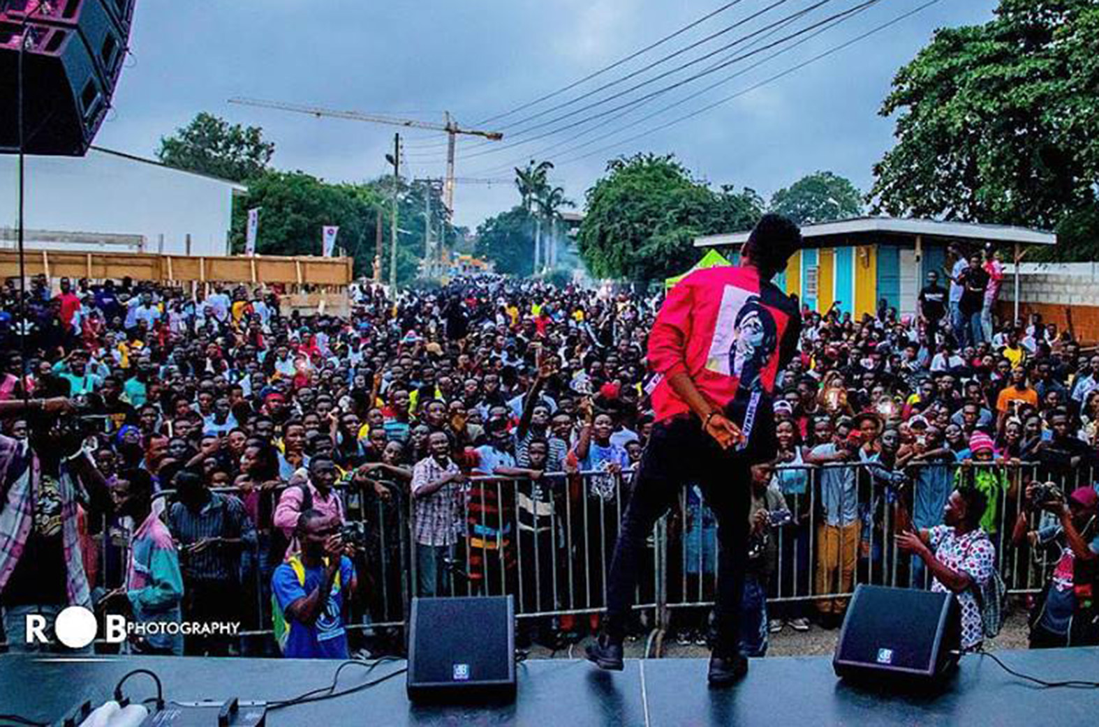 DJ Vyrusky shuts Accra down with his 'Vac with Vyrusky' concert
