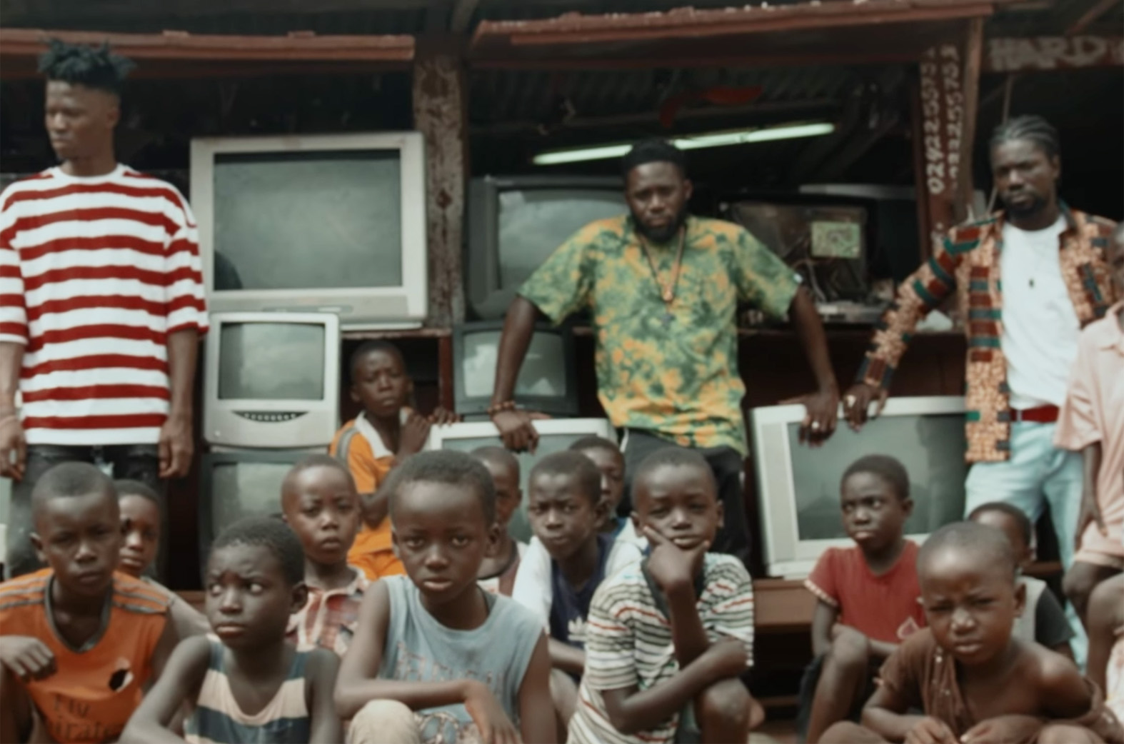 Video: Saara by Juls feat. Akan & Kwesi Arthur