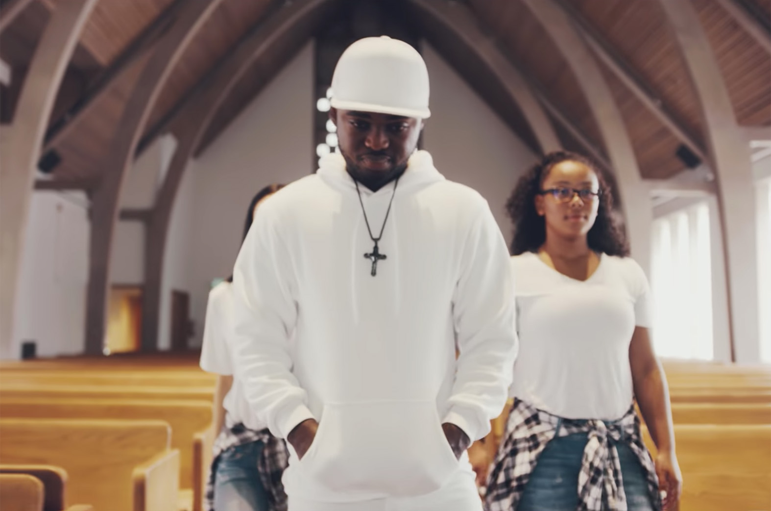 Video: Yesu Din No by Bra Collins feat. Sena Agbey