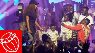 Photo of Video: Shatta Wale proposes to Shatta Michy at Reign Concert