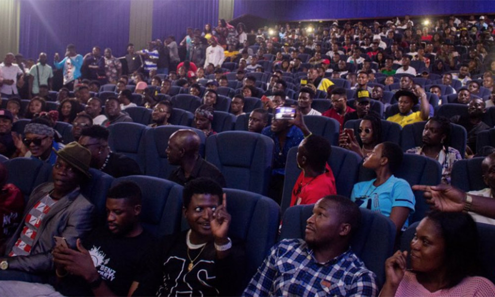 Criss Waddle's fans flood up the Silverbird cinemas for his video premiere