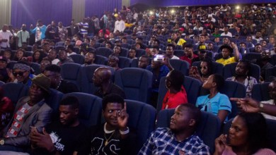 Photo of Criss Waddle's fans flood up the Silverbird Cinemas for his video premiere