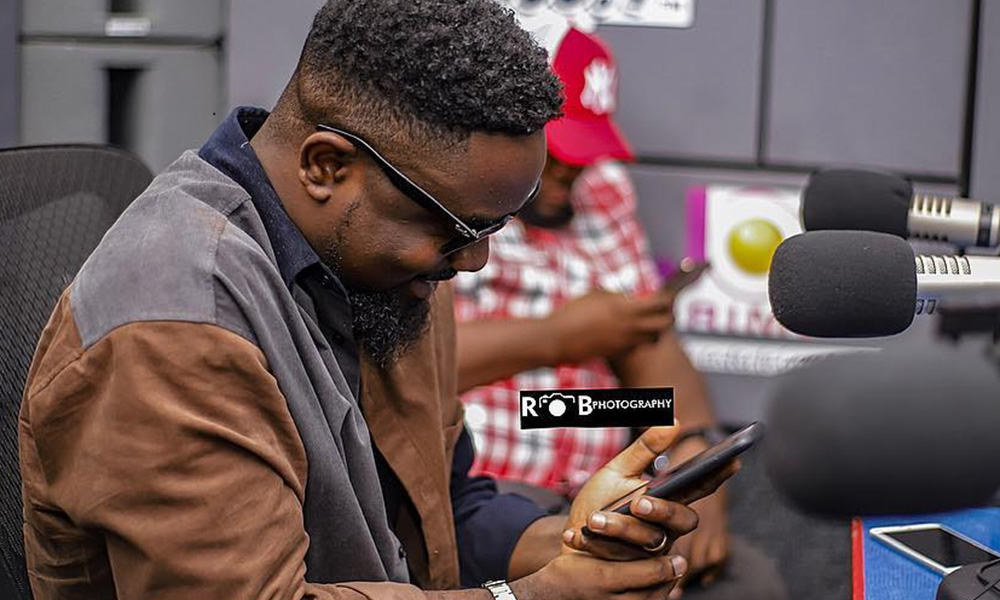 Sarkodie clears the air on recent Twitter rants