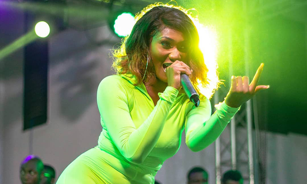 Vandals crown Wendy Shay as the new 'Queen'