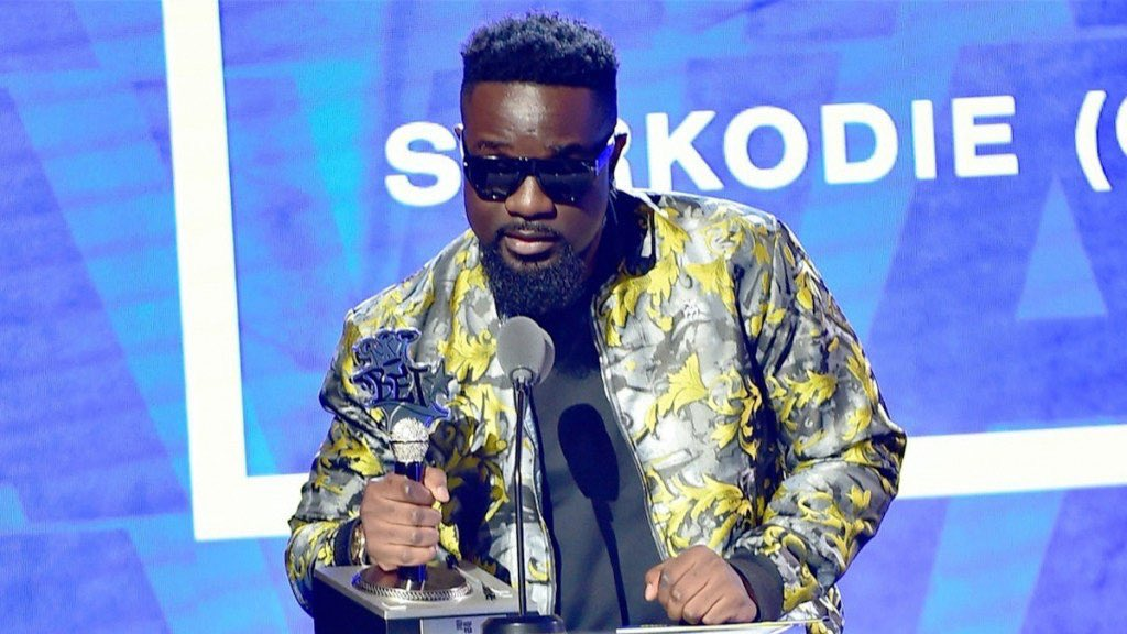 Sarkodie defends Best International Flow title in BET Music's post