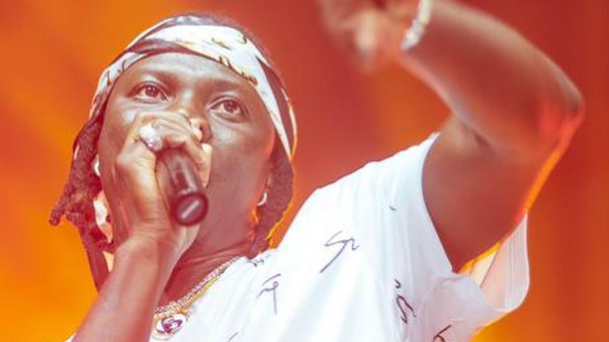 Stonebwoy plays down Bullet's magnification of 40yr statement