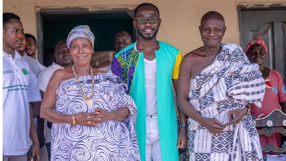 Okyeame Kwame & Solidaridad organise free health screening at Kintampo