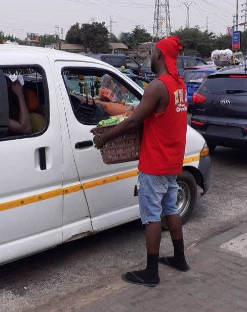 Exclusive! Photos of Kula selling on the streets pop up