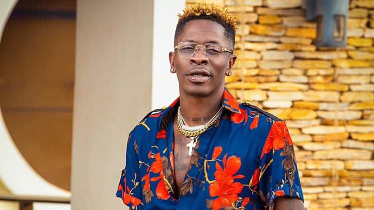 Shatta Wale's bank account receives a 'Lift' after fan dashed him GHS 20,000