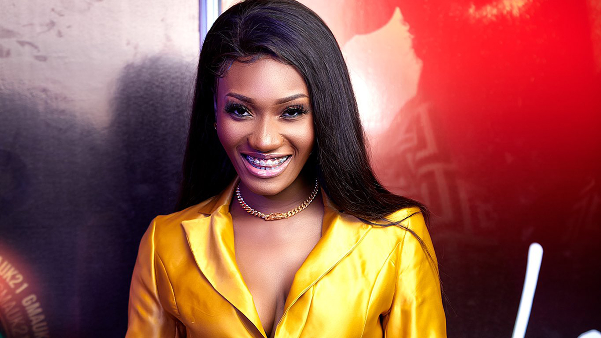 Wendy Shay leaves fans in suspense as she deletes all posts on her Instagram!