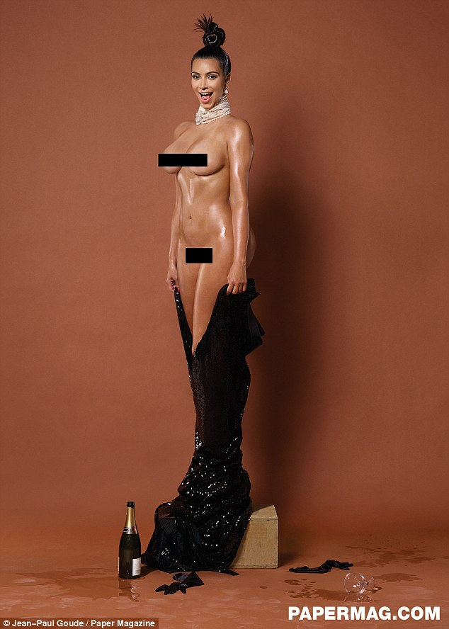 Omg Kim Kardashian Is Breaking Everyones Internet With These