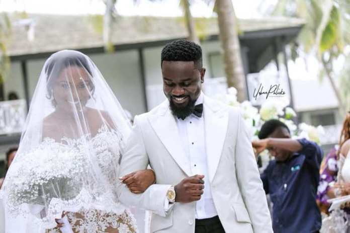 Sarkodie and Tracy 1 - Romantic Rapper: Sarkodie 'Boogies' With Tracy Sarkcess To Daddy Lumba's Song As She Celebrates Birthday Today (+Video)