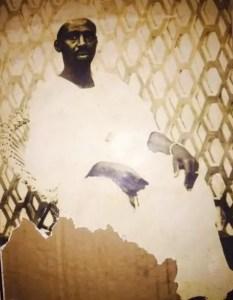 nuhu sharubutu - National Chief Imam, Sheikh Dr. Osman Nuhu Sharubutu's photo as a young man pops up