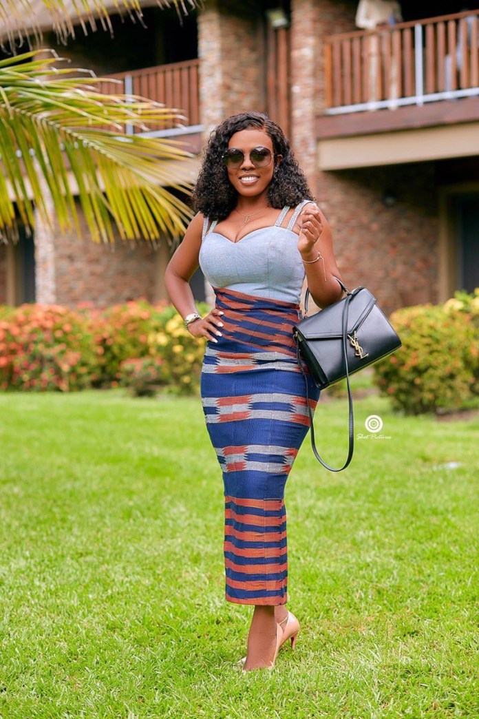 Photos: Nana Aba Anamoah Turns Heads With Her Infectious Smile & Big Melons 3