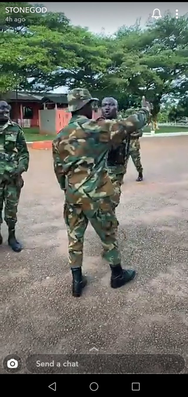 Soldiers Mob Stonebwoy, Struggle To Take Selfie With Him 2
