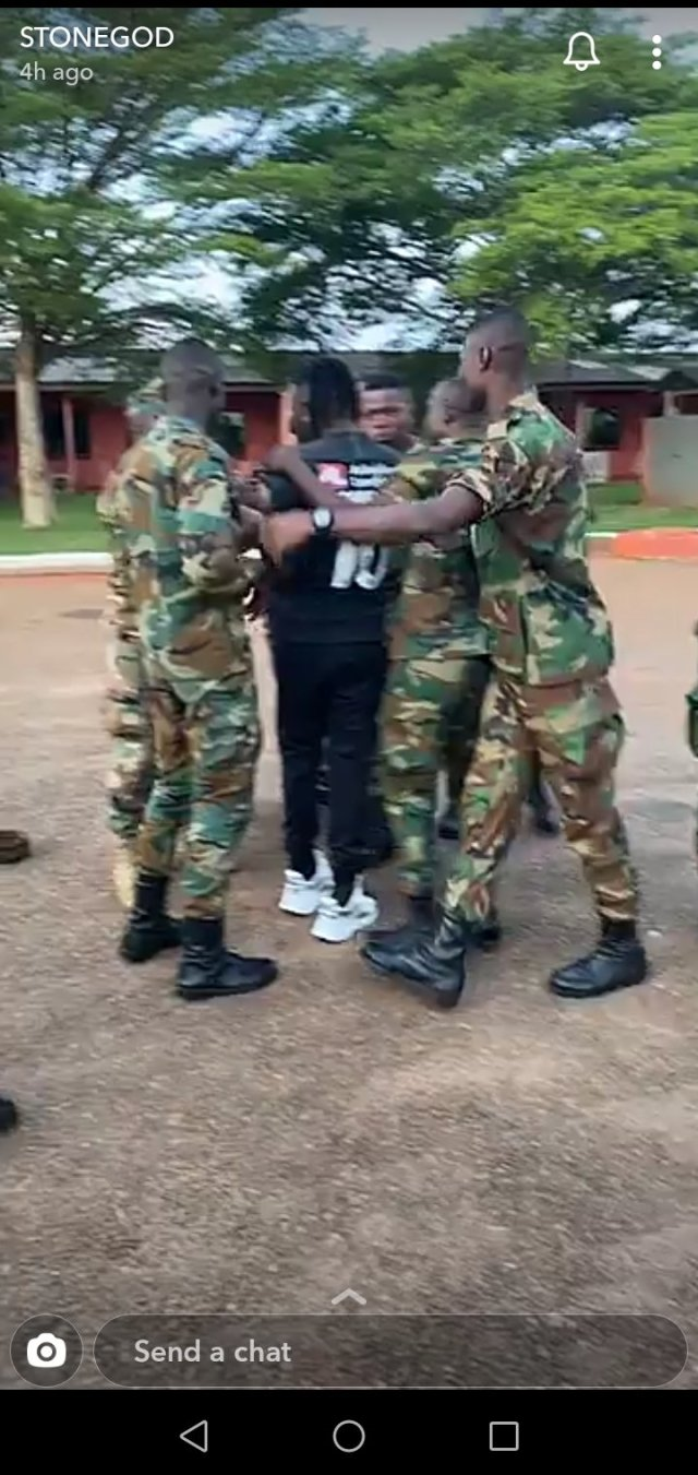 Soldiers Mob Stonebwoy, Struggle To Take Selfie With Him 3