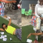Fella Makafui Sprays Money On Akuapem Poloo And Her Reaction Is Epic- Photos