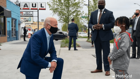 Joe Biden Mistook Don Little For A Child And Kneels Before Him