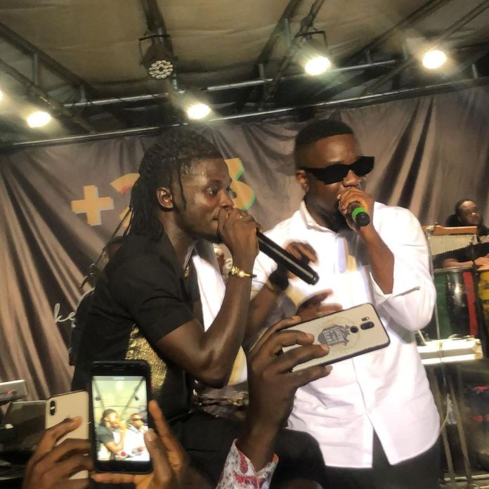 Kuami Eugene performs Happy Day With Sarkodie
