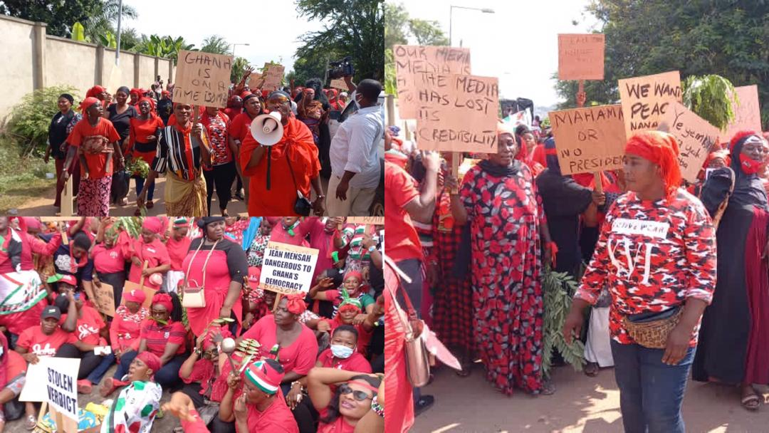 """""""Mahama or no president"""" – Hundreds of NDC women demonstrate in Kumasi over 'flawed' election results"""