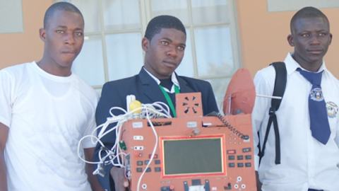 Teenager From Namibia Invents A 'Sim-Less And 'Airtime' Phone