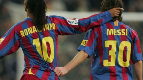 Messi Sends Emotional Message To Ronaldinho After Death Of His Mother