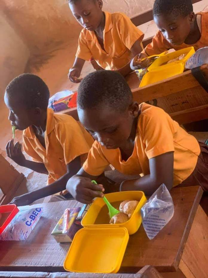 Meet Serwaah, the teacher who gives her students lunch every day despite her small earnings (photos) 5