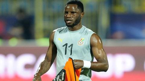 """Keep on fooling, gyimii"" – Black Stars midfielder, Mubarak Wakaso goes hard on a blogger for spreading false info [Details]"