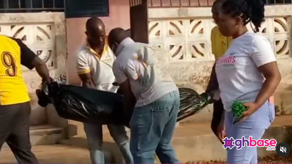 27 year old Teacher commits suicide by hanging herself with a sponge at Assin Fosu (+Video)